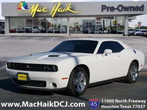 Pre-Owned 2016 Dodge Challenger SXT